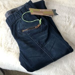 Hydraulic Size 0 Super Skinny Jeans with T…